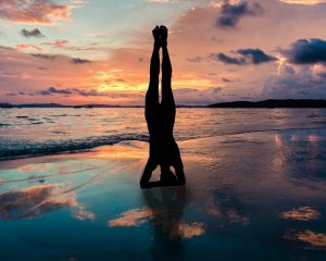 yoga-stand-in-hands-silhouette-2149407_960_720